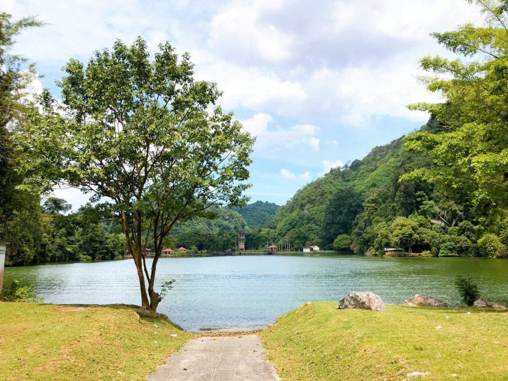 グヌン・ラン公園の湖