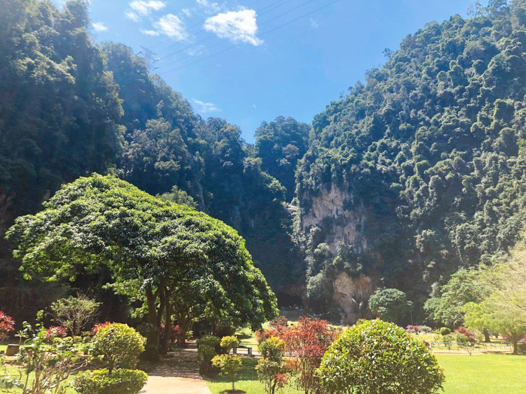 石灰岩の山