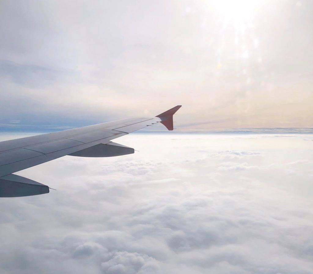 飛行機から見た空