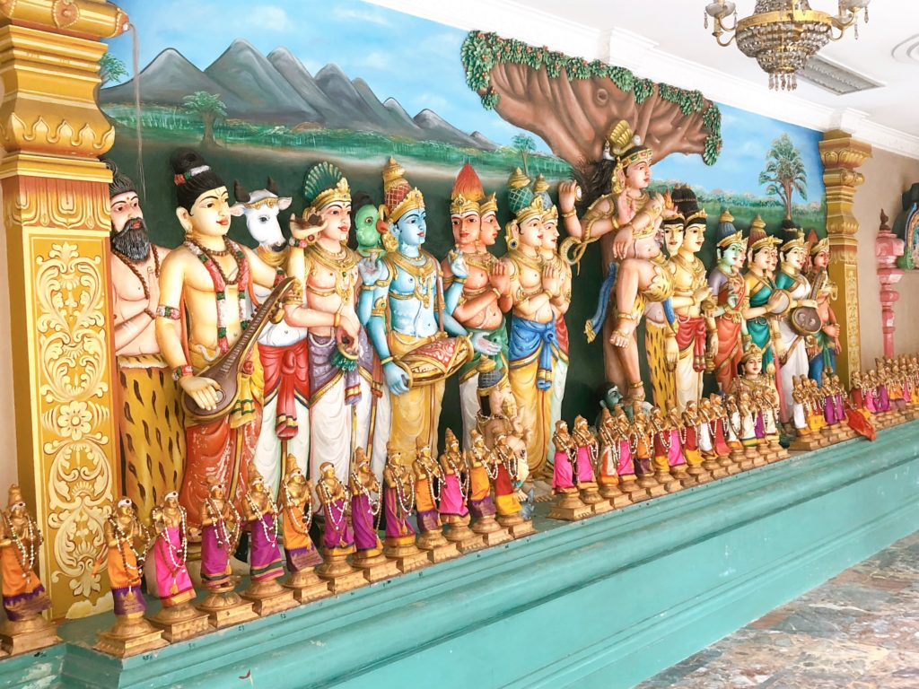 スリ・マハ・マリアマン寺院の神像