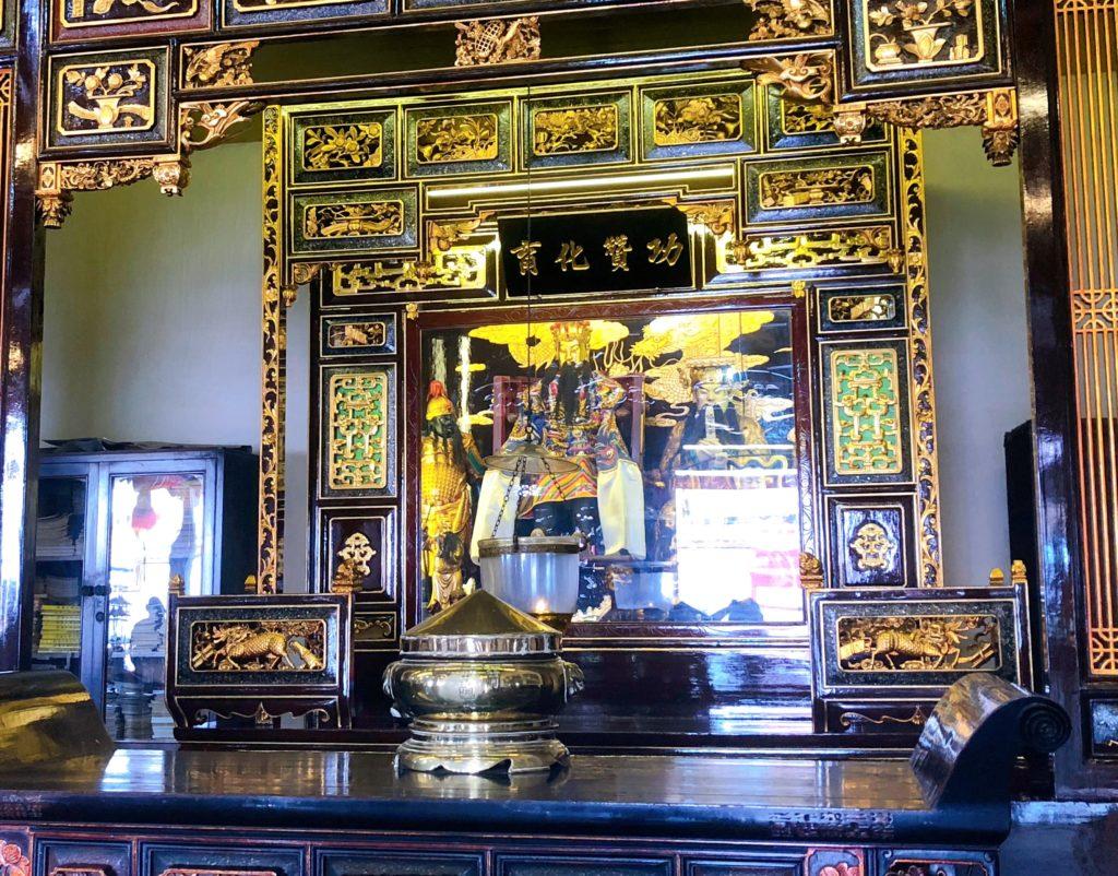 チェン・フーン・テン・テンプルの仏壇