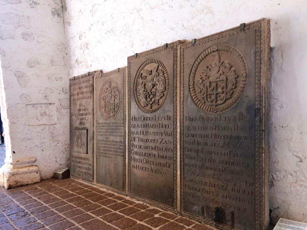 セント・ポール教会の石板