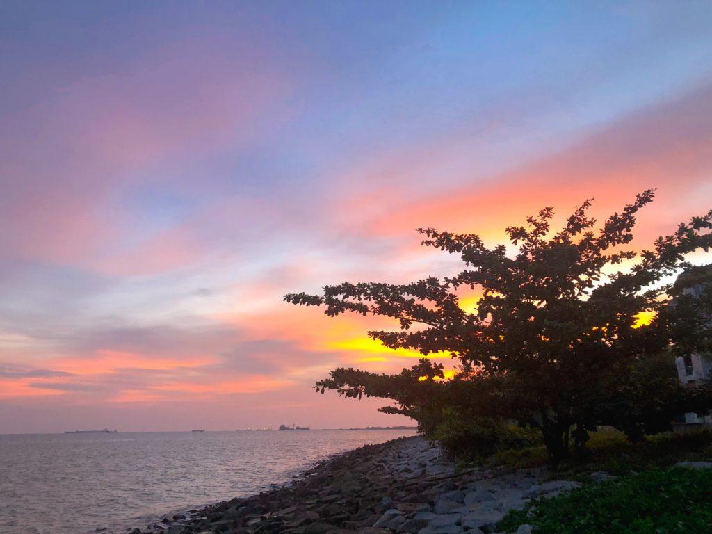 マラッカ海峡モスクから見える夕日