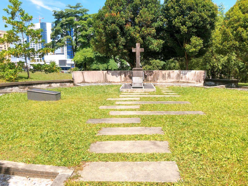 マルゲリータ砦の墓石
