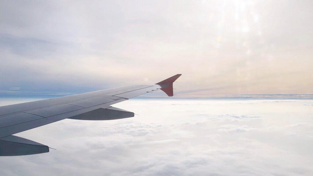 航空機内から見た空